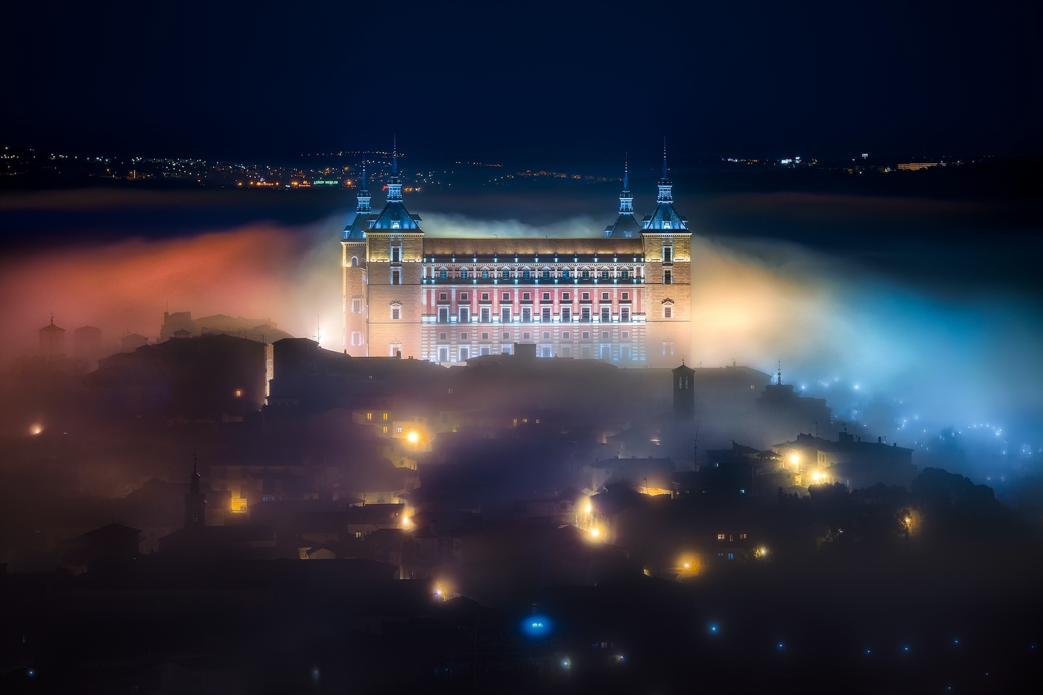 jesusmgarcia_mystic_foggy_night_in_toledo_city_30x20